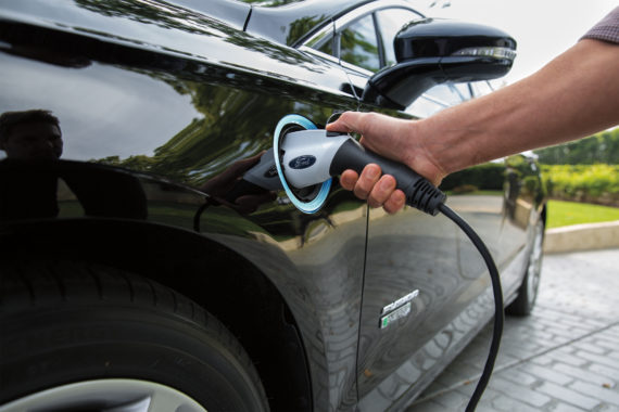 Thomaston Connects to Statewide Electric Vehicle Charging Network Using Grant from Efficiency Maine