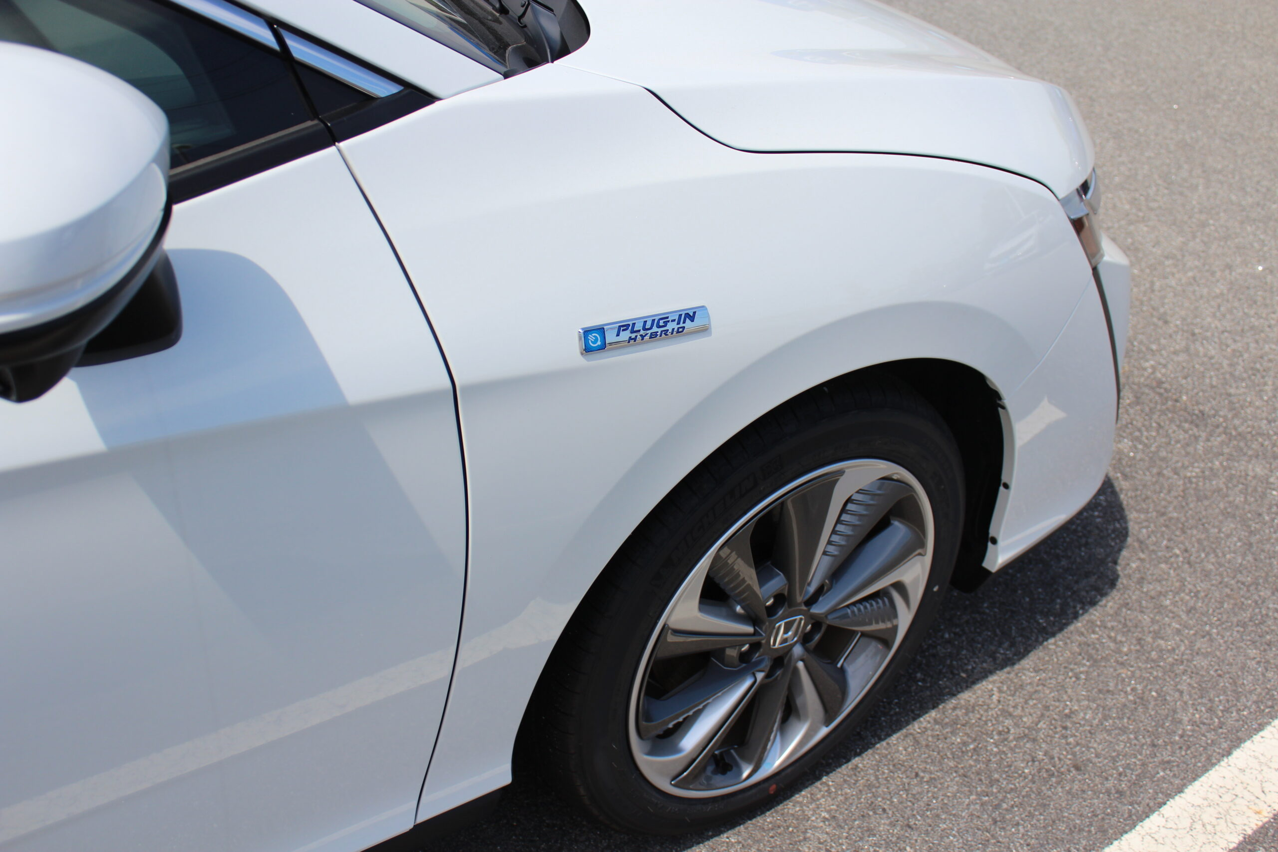 5 Reasons to Check Out a Plug-in Hybrid Electric Vehicle